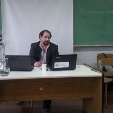 González Cabañas aceptado en otro congreso internacional de intelectualidad.