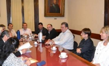 Solicitud pública a la comisión bicameral para la selección del defensor del pueblo de la provincia de Corrientes y al pleno del ámbito legislativo.