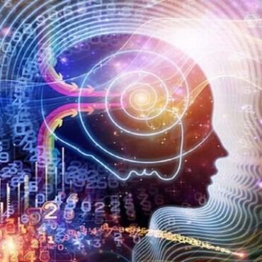 La ciencia vence a la magia y al Faraón.