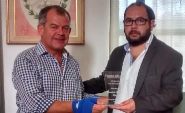 """Humberto """"Pipo"""" Bianchi distinguido como mejor intendente de Corrientes."""