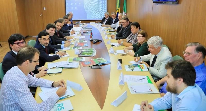 El Gobernador Valdés con el filósofo Gobernador José Ivo Sartori de Rio Grande do Sul.