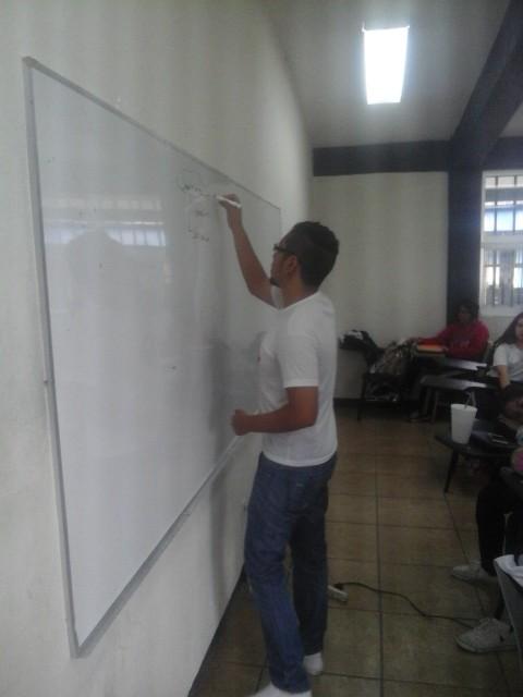 Joven Divulgador Psicólogo mexicano (Impacto en Latinoamericano y parte de Europa)