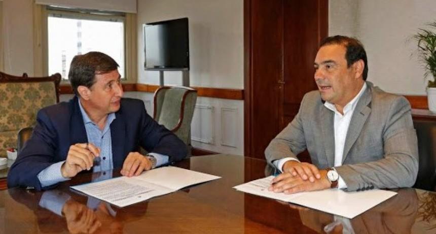Valdés y Daniel Arroyo, acuerdo para que la tarjeta Alimentar llegue a 52.458 familias en la provincia de Corrientes