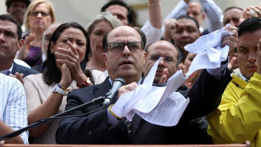 La inviabilidad de los poderes judiciales en estados democráticos, el caso Venezuela.