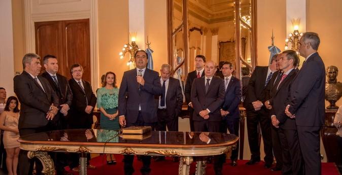 Se medirá el nivel de conocimiento y de aceptación de los ministros de Valdés.