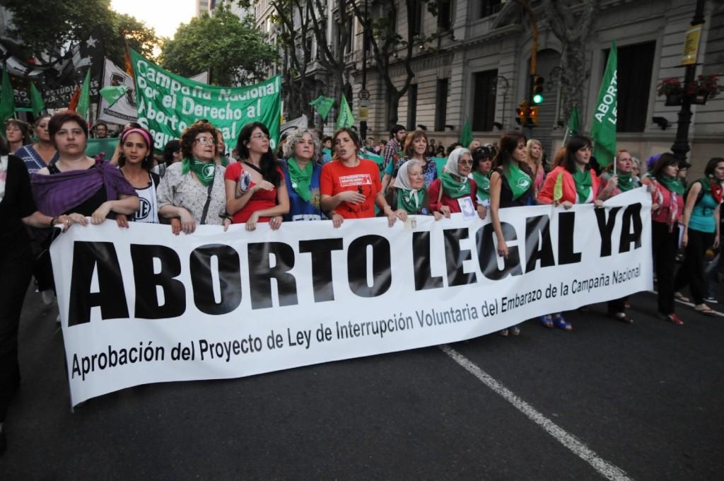 Comienza el debate sobre el aborto en el Congreso.