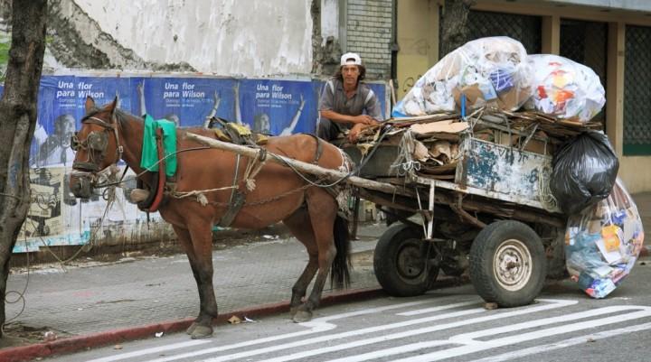 La Municipalidad busca regular los carros.