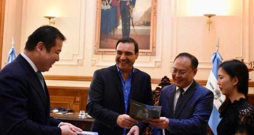 En medio de la  guerra comercial entre EE UU y China, Valdés lleva a Corrientes a la contienda.