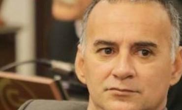 ¿A quién o quiénes representa el Senador Roberto Miño?.