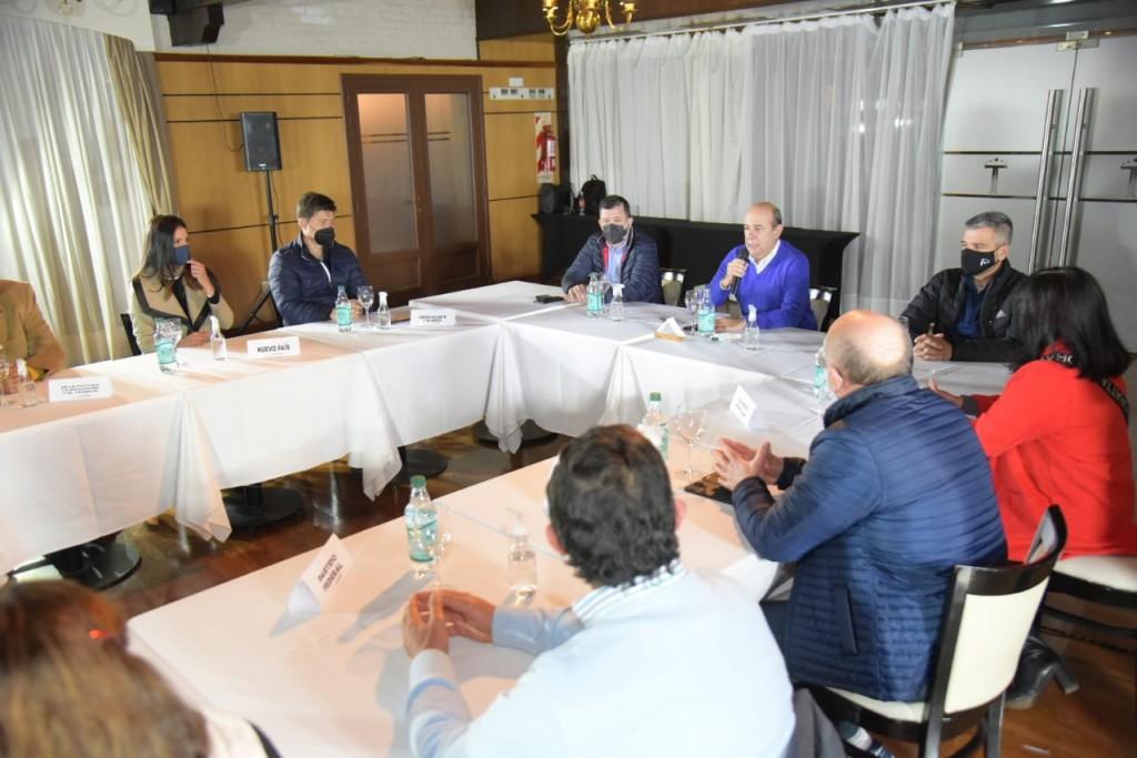 23 partidos apoyan la candidatura de Canteros a la intendencia.