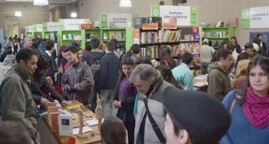 ¿Ferias del libro u hogueras de vanidades?