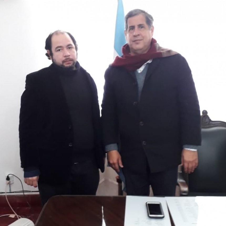 El Intendente de Esquina Hugo Benítez respondió el cuestionario del índice democrático.