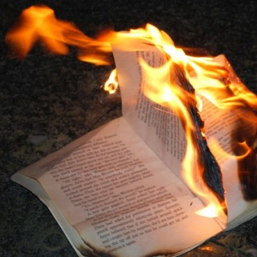 De la quemazón normativa II.