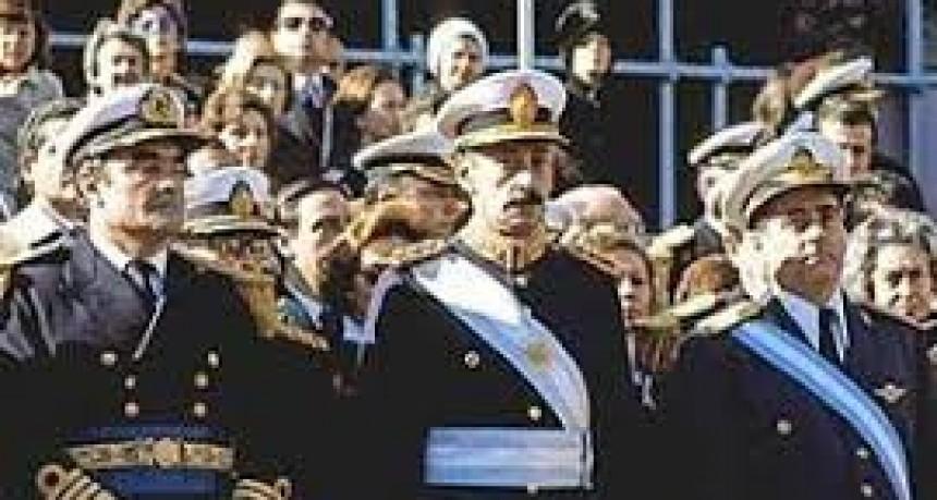 De la bota del militar al micrófono del político.