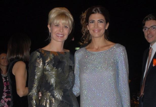 """Entre la Comandanta """"Esther"""" y Karina y Juliana."""