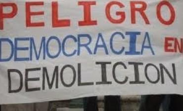 La Agonía de la Democracia