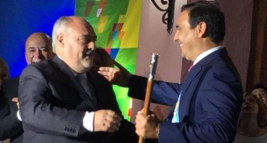 ¿Posee poder político el gobernador Valdés?