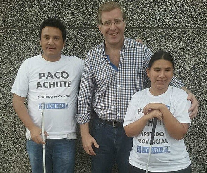 Paco Achitte: Simplemente diferente.-