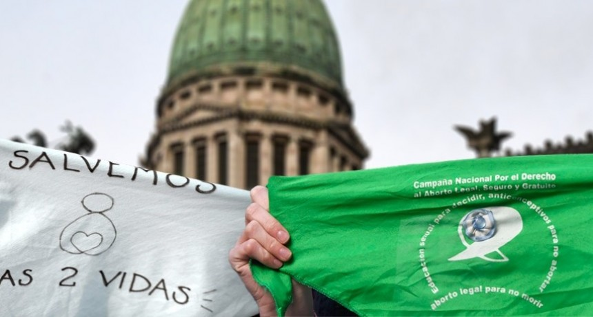 Profanar la democracia. Verde o celeste. Vagina o útero. Deseo o ulterioridad.